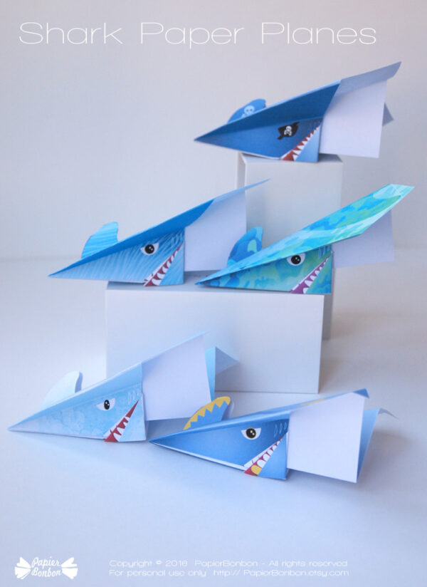 Avion en papier requin